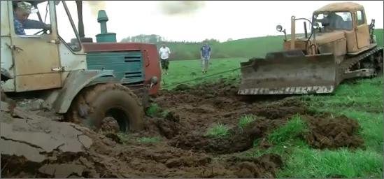 Russian Video: Lets bury the Tractor…