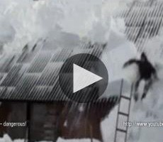 Russian Video: Great Fun in Snow Removal from Roofs&#8230;